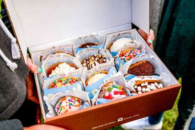 Cream ice cream sandwiches