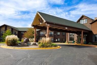 Grand Bear Resort