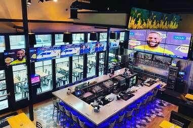 Christies Sports Bar & Grill