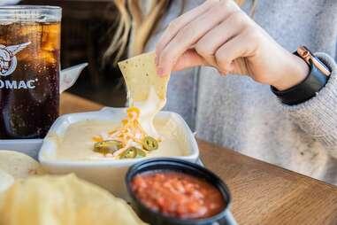 Taco Mac queso