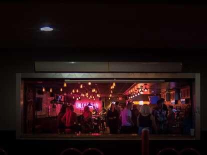 Dilly Dally bar
