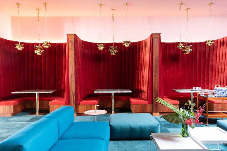 Moon Gate Lounge