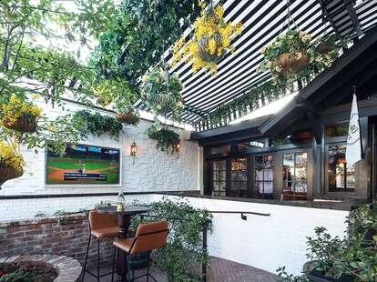 40 Love patio