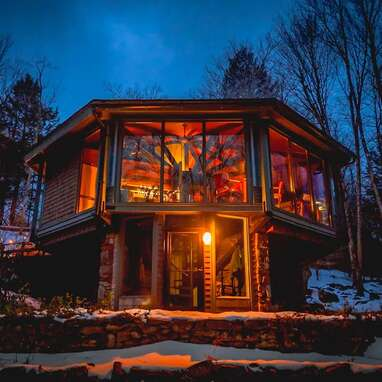 An octagonal glass treehouse in the Berkshires