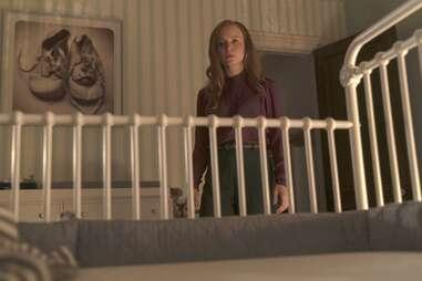 Lauren Ambrose in servant