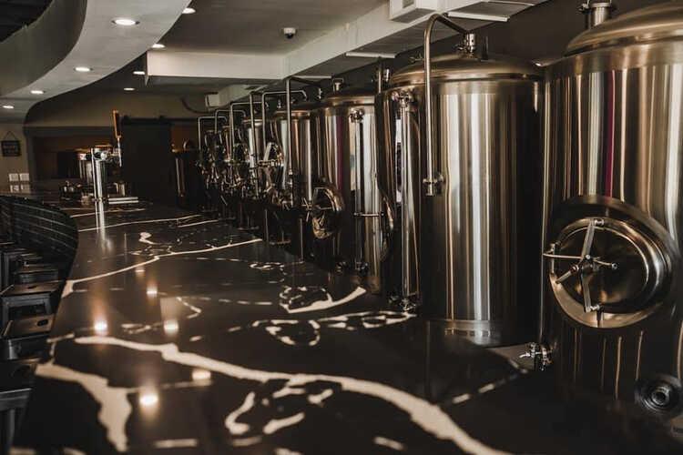 Hippin' Hops Brewery & Oyster Bar