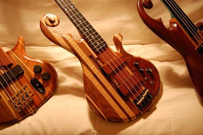 wallpusher guitars entertainment thrillist boston. Black Bedroom Furniture Sets. Home Design Ideas