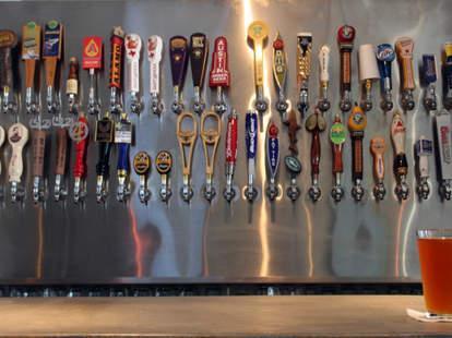 Workhorse Bar-Austin-Beer taps
