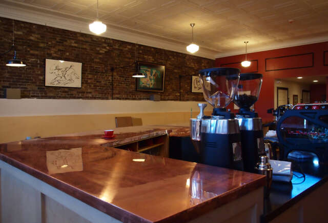 Upscale coffee bar hits the \'bridge