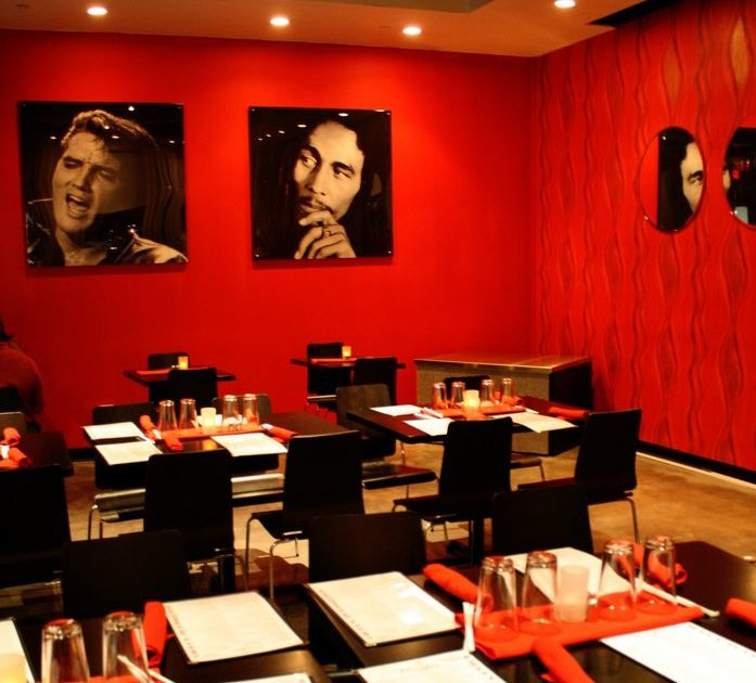 Mingles Martini Bar Amp Grill Eat Thrillist Atlanta