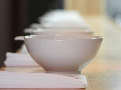 A white ramen bowl lineup.