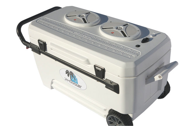 A cooler that brings the booze <em>and</em> the noise