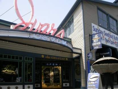 Ivar's Acres of Clams in Seattle