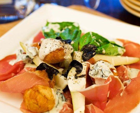 Italian bistro helmed by a <em>Top Chef</em> alum