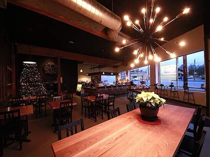 Cyril's, Portland wine bars