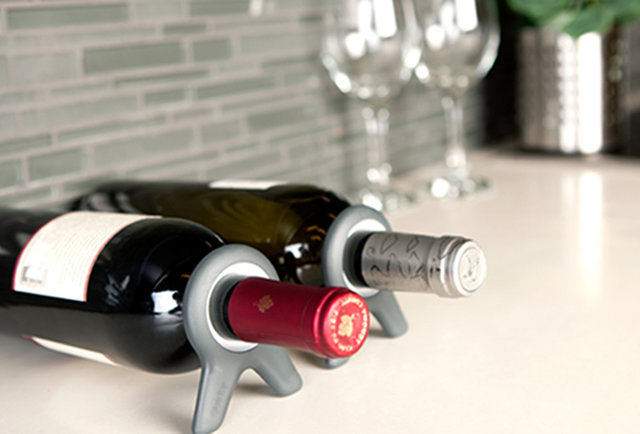 A simple wine storage solution that fits in your pocket