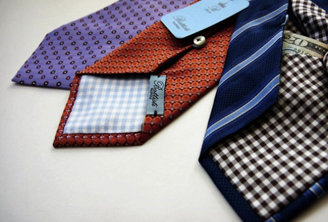 A silk necktie that poses a threat to your wallet