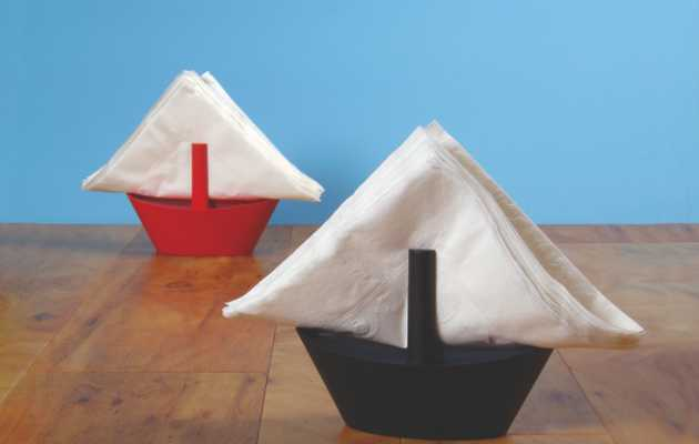 A nifty, nautical table accessory