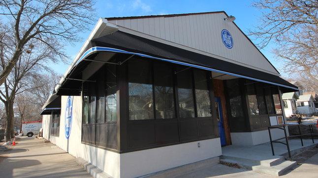 Blue Door Longfellow Eat Thrillist Minneapolis