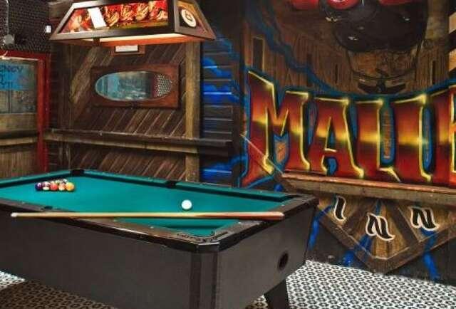 Tourney Time at the Malibu Inn