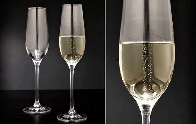 These glasses keep your bubbly bubbling