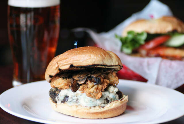 FiDi pub\'s lineup: now featuring, like, infinity burgers