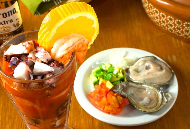 Just St. Paul\'s average Mexican seafood-slinging discotheque