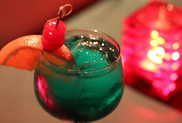 Hidden late-night music, booze & ice cream in MiMo