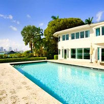 A retro retreat with old Florida charm and tons of activities