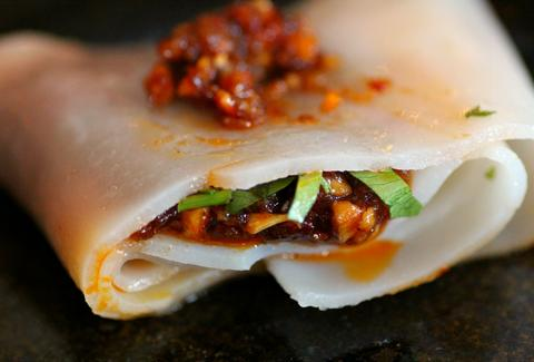 Vermicelli noodle wraps at Khong River House