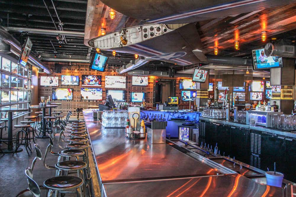 Shells Restaurant And Bar Live Entertainment Deactivated S Bullet Thrillist Dallas