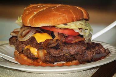 Ann's Snack Bar - Ghetto Burger