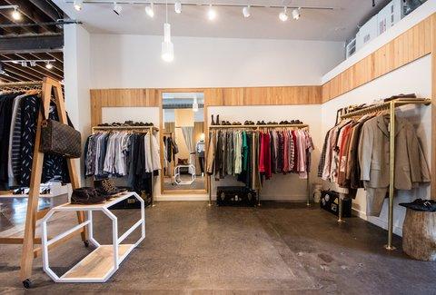 Moss Designer Consignment A Austin Tx Venue