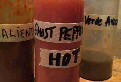 Hot sauce at Tacos de la Noches