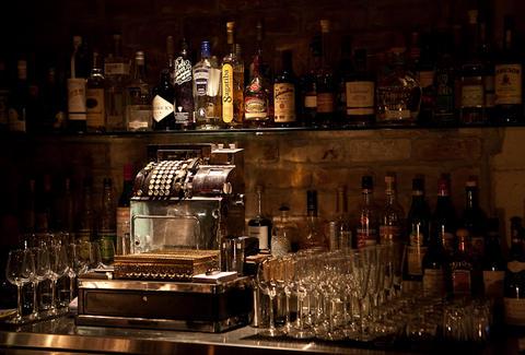 The Varnish Drink Thrillist Los Angeles