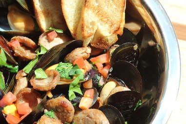 Fatshorty's Mussels