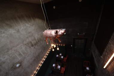 Fatty 'Cue glitzy the pig