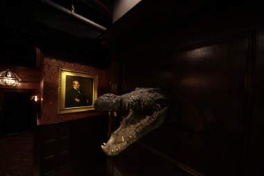 Jekyll & Hyde interior - croc head