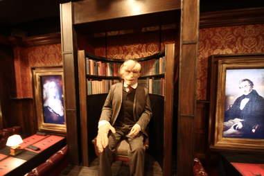 Jekyll & Hyde interior - elephant man