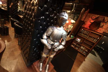Jekyll & Hyde interior - armor