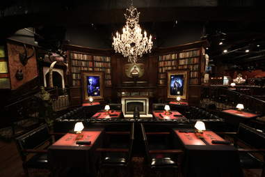 Jekyll & Hyde interior - library