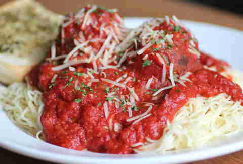 Daily Diner spaghetti and meatballs