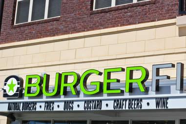 BurgerFi Atlanta exterior