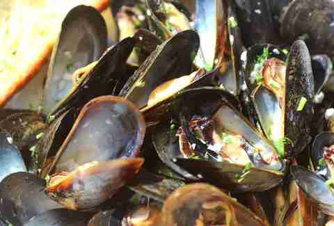 Mancini Herbed Mussels