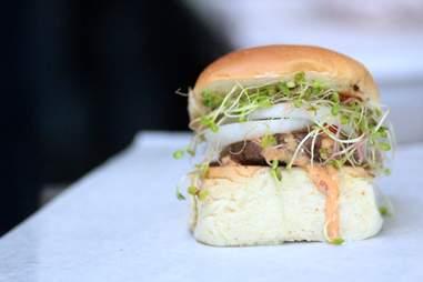 Fun Guyz Food Trolley burger