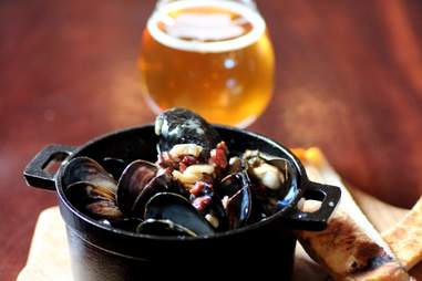 Pernod and pancetta mussels at Monk