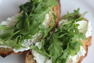Riccotta and arugula crostini at Stanzione 87