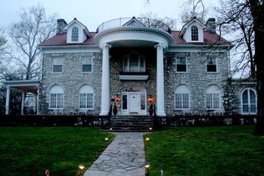 The Beaumont Inn in Harrodsburg, Mercer County, KY