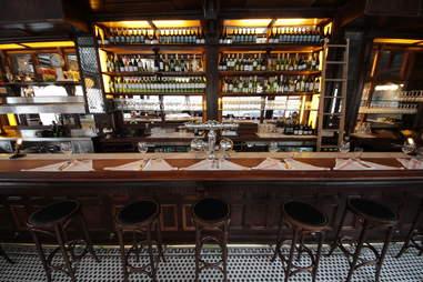 Charlemagne Bar