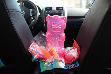 A Lyft with free candy